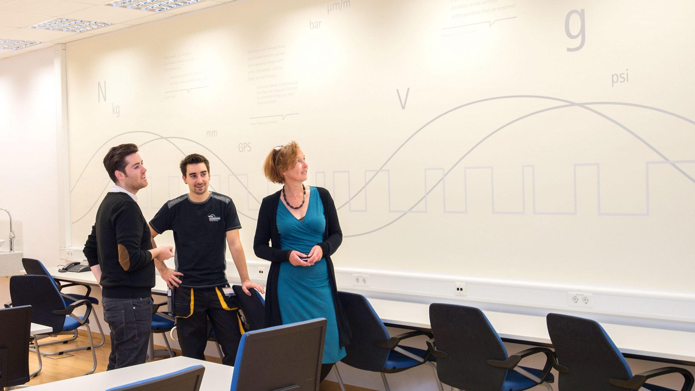 Wand Design, Wandtattoo für die hbm Academy: DIE NEUDENKER® Agentur, Darmstadt