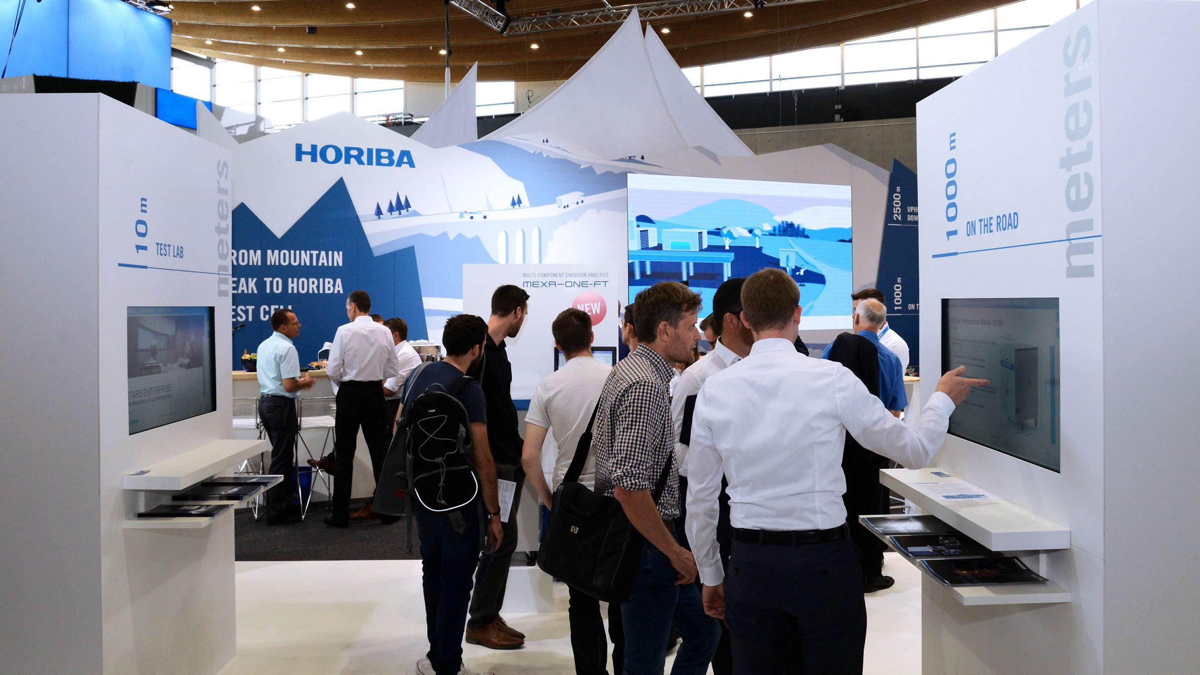 Foto vom HORIBA Messestand auf der Automotive Testing Expo 2018