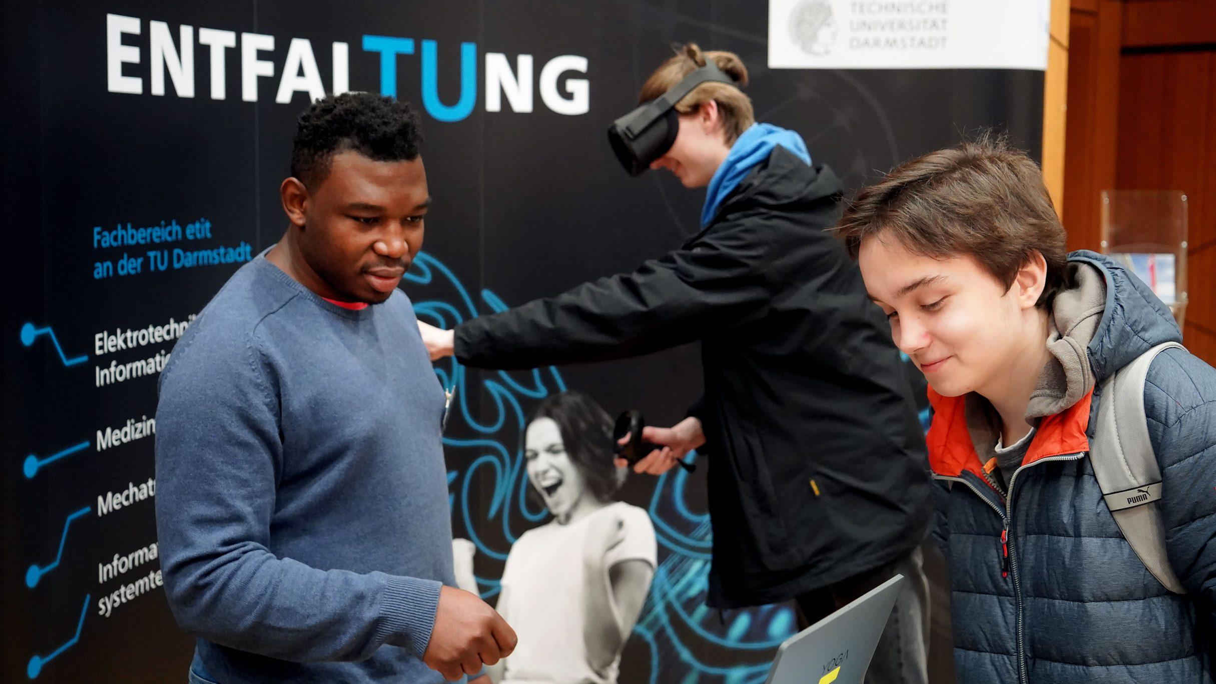 Hochschulmarketing mit VR-Game und Messedesign für TU Darmstadt: DIE NEUDENKER, Full Service Agentur Darmstadt